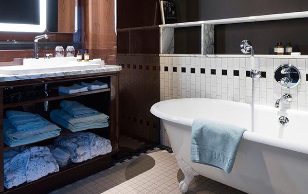 Axor bathroom mixers in the Paris Design Hotel Les Bains . Pop up my ...