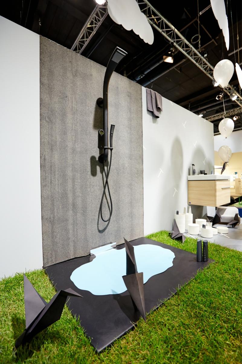 ish gallery bathrooms out of cardboard pop up my bathroom. Black Bedroom Furniture Sets. Home Design Ideas